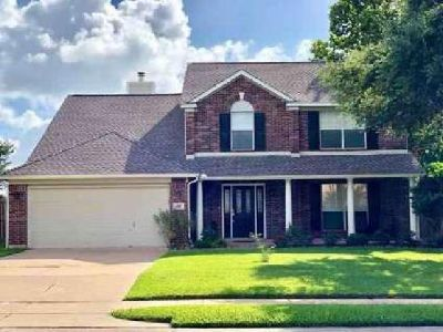 130 Plum Circle Lake Jackson, Feel right at home in this
