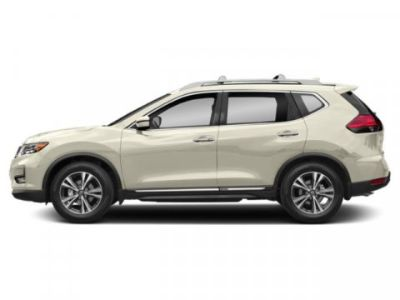 2019 Nissan Rogue SV (Pearl White Tricoat)