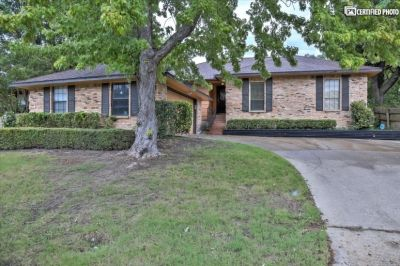 $3000 3 single-family home in Rockwall County