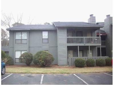 2 Bed 2 Bath Foreclosure Property in Fayetteville, NC 28303 - Tryon Dr