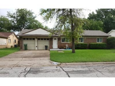 3 Bed 2 Bath Preforeclosure Property in North Richland Hills, TX 76180 - Noreast Dr