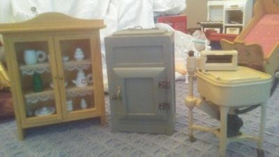 REALLY OLD fashioned dollhouse furniture. china cabinet with decorative items on shelves, Old Ice Box. Old Washing machine. 3 pieces. NICE!!