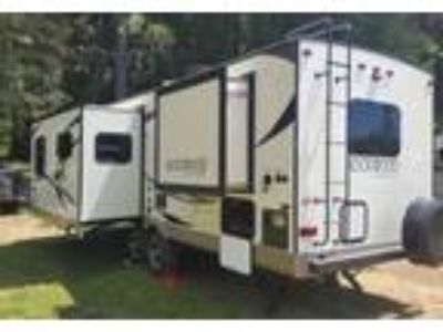 2017 Forest River Rockwood-Ultra-Lite Travel Trailer in Rio Linda, CA