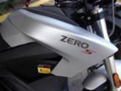 2018 Zero Motorcycles S ZF13.0 + Charge Tank