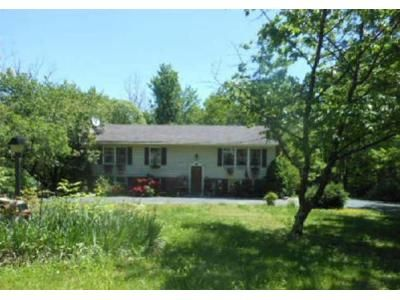 3 Bed 2 Bath Foreclosure Property in Berkeley Springs, WV 25411 - Apple Orchard Cir