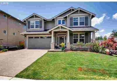 10115 SW 67th Ave Tigard Three BR, Vaulted master suite on the