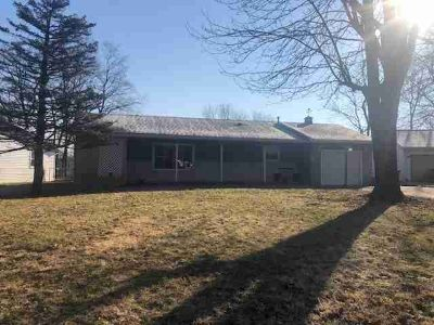 534 DEVONSHIRE Drive Kokomo Three BR, Don't miss out on the