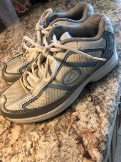 Women s Aquity Golf Shoes - size 7