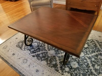 Pretty Wood Coffee Table