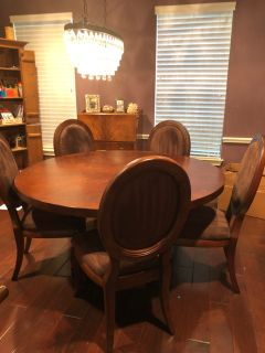 ZGallery dining room table and 6 chairs