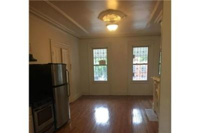 This rental is a Brooklyn apartment Monroe.