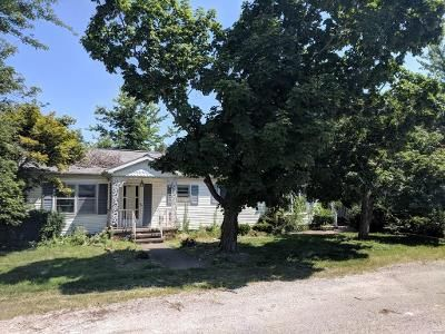 3 Bed 3 Bath Foreclosure Property in Saint Peter, IL 62880 - 1 Box 81b2