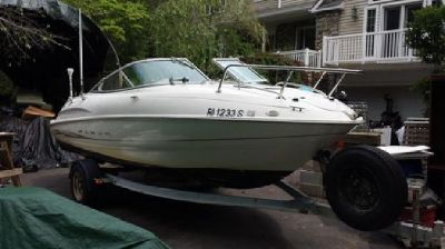 2000 Maxum 18ft - New 220hp Mercruiser crate engine with trailer