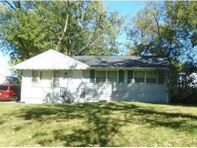 3 Bed 1 Bath Foreclosure Property in Hazelwood, MO 63042 - Gwin Dr