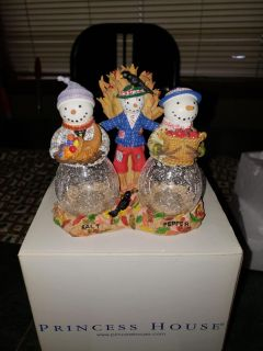 Princess House Holiday salt and pepper shakers