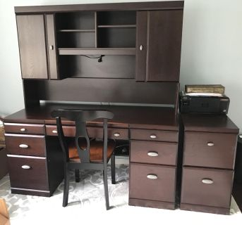 Desk and filling cabinet printer not included . Pick up only
