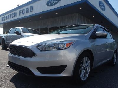 2017 Ford Focus SE (Ingot Silver Metallic)