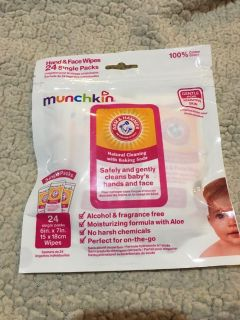 Munchkin Hand and Face Wipes individually wrapped #1