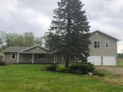 3 Bed 2 Bath Foreclosure Property in Roanoke, IN 46783 - N Us Highway 24 E