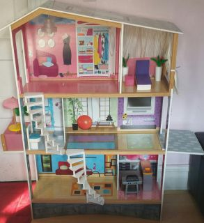Pink Barbie Dream House Room PlaySet.