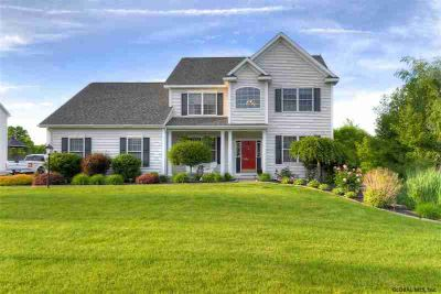 5 Charterpoint Rd WATERVLIET Five BR, Come see this gorgeous