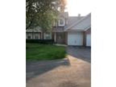 Schaumburg Three BR, 352 Pembroke Court 8 , IL Listing Price: