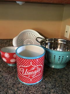 Pioneer Woman (Lot of 5) Kitchen Items