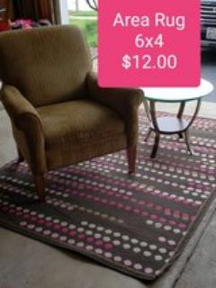 Area Rug 6x4 brown, pink dots