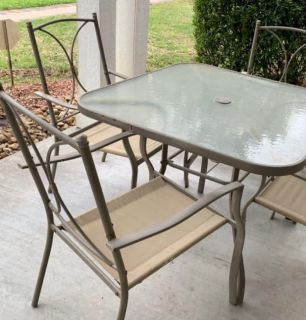 GOOD CONDITION PATIO DINNING SET WITH TABLE & 4 CHAIRS - little rust, no much but chairs are sturdy ~ PICKUP IN BRAZORIA