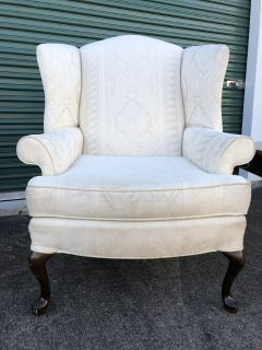Wing Back CHAIR and End Table