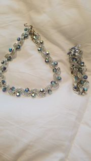 Silver tone necklace and bracelet set