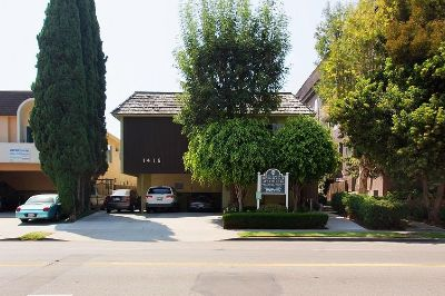 $1995 studio in West Los Angeles