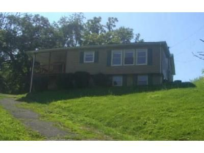 3 Bed 1.1 Bath Foreclosure Property in Bristol, VA 24202 - Reedy Creek Rd