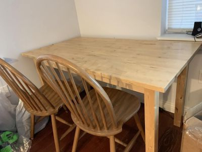 Awesome Dining table and chairs for sale