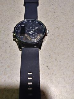 Lg Face Mens Watch