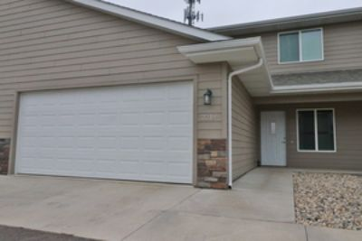 Incredible Townhomes on Ellis Rd in Western Sioux Falls
