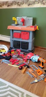 Fisher-Price battery operated work station. Lots of extras!!