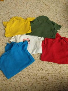 Lot of 5 onesies. 6 months. Carters