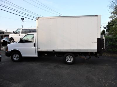 2014 Chevrolet Express 3500 3500 (Summit White)