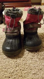 Size large (9) toddler boot