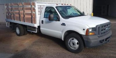 2005 Ford F-350 Stakebed