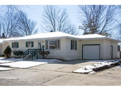 3 Bed 1 Bath Foreclosure Property in Belvidere, IL 61008 - Elmwood Dr