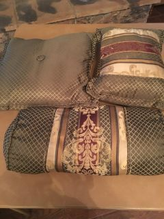 Set of 3 decorative pillows