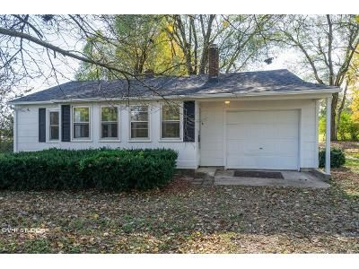 2 Bed 1 Bath Foreclosure Property in Springfield, MO 65802 - West State Highway 266