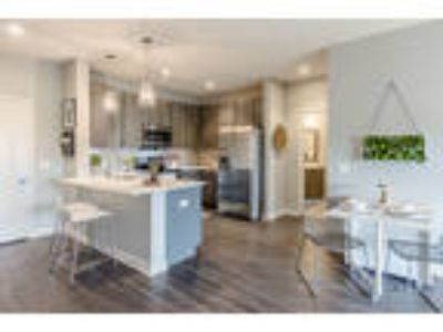 Ellison Heights - One BR, One BA with Den 990 sq. ft.