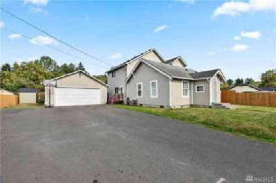 1406 Ross Ave Kelso, Lots of home for the money!!