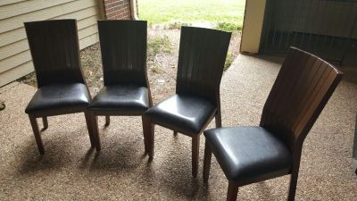 Very high quality and new dining table and chairs