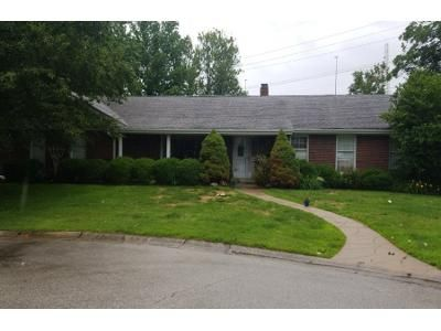 3 Bed 2.0 Bath Preforeclosure Property in Saint Charles, MO 63301 - Charwood St