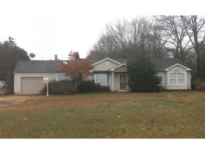 3 Bed 2 Bath Preforeclosure Property in Waterford Works, NJ 08089 - Old White Horse Pike