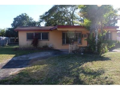3 Bed 2 Bath Foreclosure Property in Miami, FL 33147 - NW 99th St